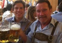 Терминатор попил пивка с внебрачным сыном на Октоберфесте